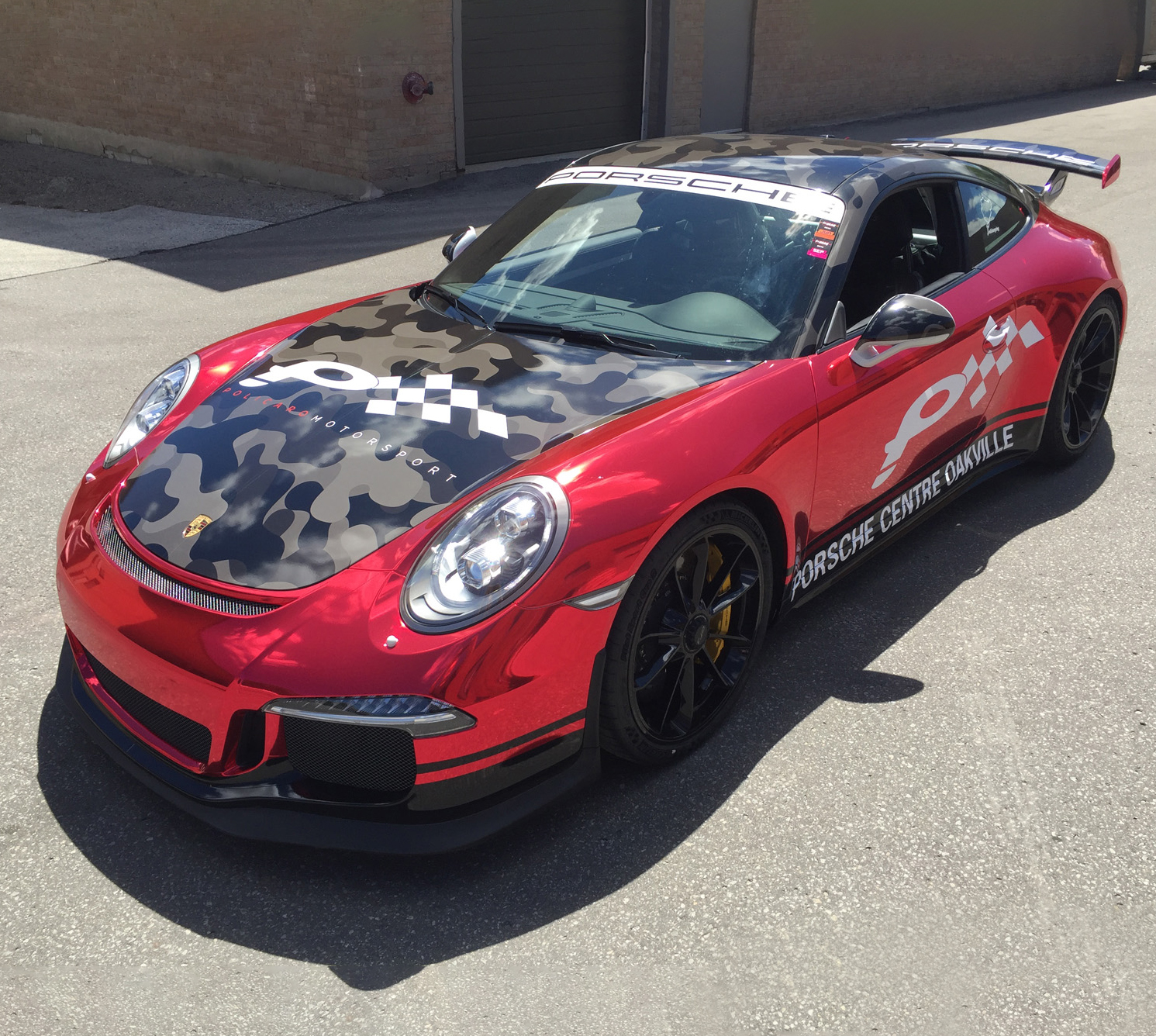 race-car-wrap-services-Policaro-Porsche